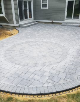 Bow Ledgestone Patio with Circle